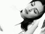 Jennifer Pamplona faz clipe lembrando um ano da morte de Ken Humano