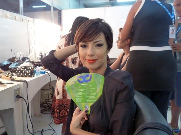 Andreia Horta comemora o fato de desfilar no Sambódromo do Rio (Foto: Gshow)