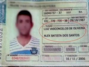 Homem apresenta CNH falsa com nome de dois pais e é preso. (Foto: Divulgação/Polícia Civil)