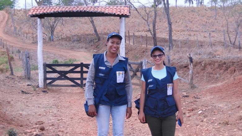 A ACS Vivian Cristina de Souza e a  recenseadora Jaymara Farias Araújo  (Foto: Arquivo IBGE)