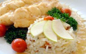 Lagosta ao molho de prosecco com arroz de pera e amêndoas