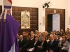 Familiares e amigos comparecem à missa de sétimo dia de Luiz Henrique