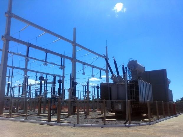 Subestação envia energia produzida pelos aerogeradores a segunda subestação no município de Areia Branca (Foto: Renato Vasconcelos)