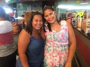 Amigas Vitória Evelyn e Caroline Ribeiro passarão São João em Amargosa (Foto: Alan Tiago Alves/G1 Bahia)