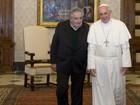 Papa é 'esperto' e tem 'malandragem', diz presidente do Uruguai