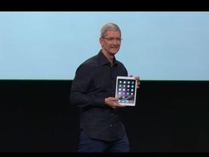 Tim Cook, presidente-executivo da Apple, apresenta o novo iPad Air 2. (Foto: Reprodução/Apple)