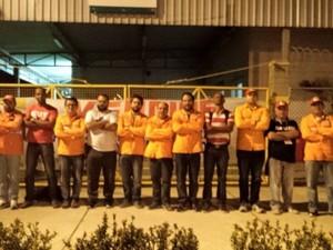 Em apenas três horas plataformas em greve têm redução estimada em 400 mil barris diários (Foto: Divulgação/Sindipetro-NF)