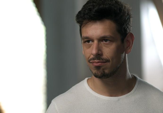 Lázaro planeja sequestro para evitar casamento (Foto: TV Globo)