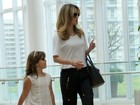 Ana Furtado vai ao cinema com a filha