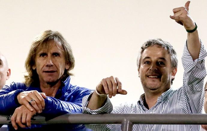 técnico Gareca assiste Palmeiras x Figueirense (Foto: Getty Images)