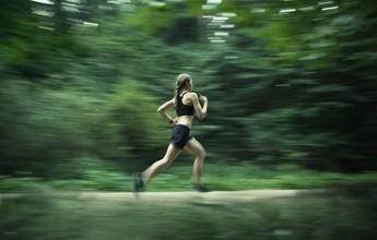 Quer correr mais rápido? Segredo é comer bem, aquecer e ter paciência