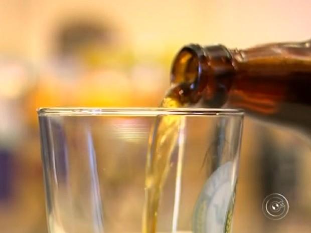Cervejas artesanais são destaques no evento (Foto: Reprodução TV TEM)