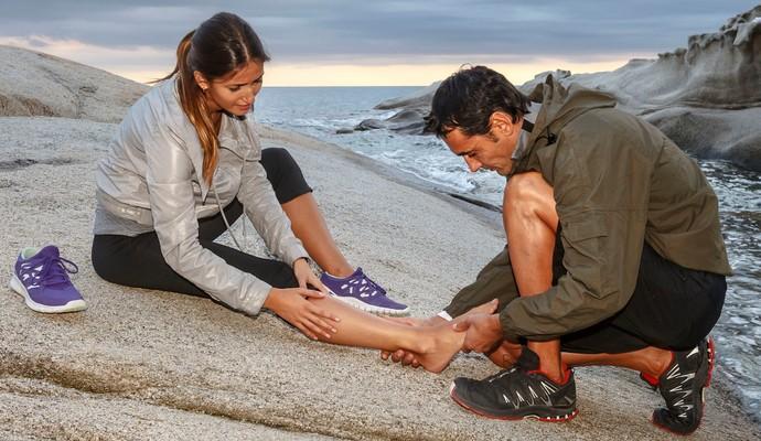 Fascite plantar dor no pé euatleta (Foto: Getty Images)