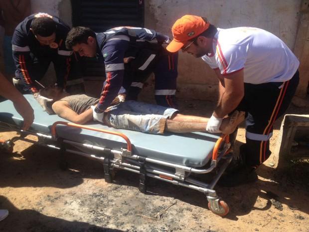 Homem foi encaminhado para o Hospital do Oeste  (Foto: Blog do Sigi Vilares)