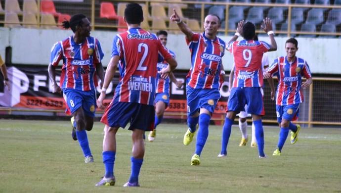 Zico, gol Plácido de Castro 1 a 0 Rio Branco-AC (Foto: Manoel Façanha/Arquivo Pessoal)