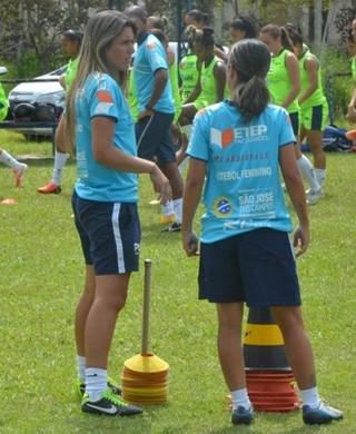 Emily Lima Técnica São José Feminino (Foto: Tião Martins/ PMSJC)