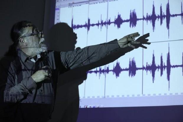 O perito Ricardo Molina diz que áudio tem descontinuidades e qualidade é baixa (Foto: Fabio Rodrigues Pozzebom/Agência Brasil)