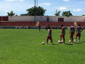 Jogadores voltam a treinar nesta quarta-feira, 8, de manhã.  (Foto: Assessoria/América de TO)