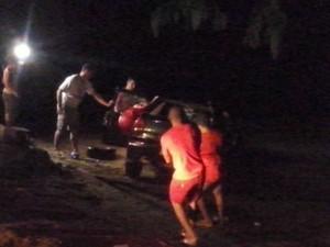 Corpo de motorista foi encontrado dentro de carro pelos bombeiros (Foto: Alerta Rolim/ Divulgação)
