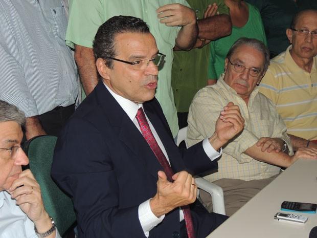 'Partido decidiu se afastar do governo de maneira consensual', afirma Henrique Eduardo Alves (Foto: Felipe Gibson/G1)