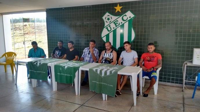 Uberlândia Esporte, treino, Ninho do Periquito, Catanoce, Marcelo Régis, Léo Paraíba (Foto: Gullit Castro)