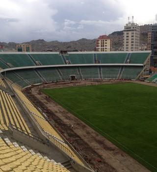 Estádio Hernando Siles, em La Paz: palco do duelo decisivo entre The Strongest e Atlético-PR (Foto: Monique Silva)