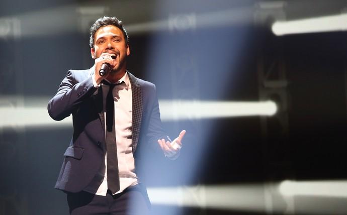 Filipe Labre no palco do Iluminados (Foto: Carol Caminha/Gshow)