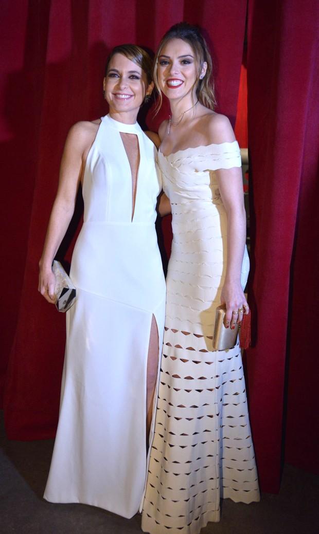 Claudia Abreu e Isabelle Drummond (Foto: Gustavo Scatena/ Ed. Globo)