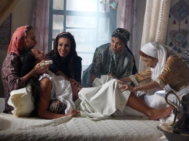 Tamar dá a luz ao seu primeiro filho (Foto: Salve Jorge/TV Globo)