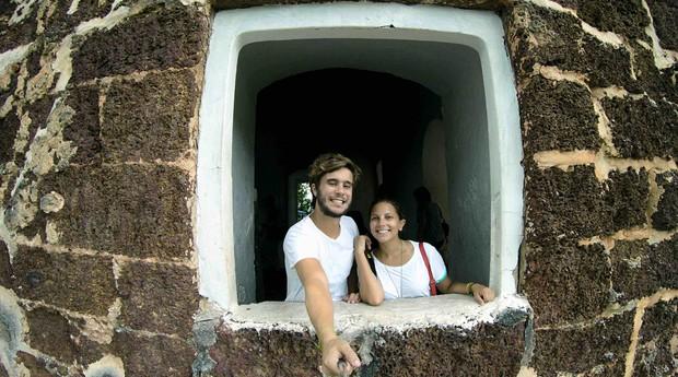 O casal Raphael e Manoela foca em roteiros de viagens customizados (Foto: Divulgação)