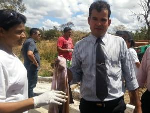Pastor José Antônio Barbosa ajudou no socorro às vítimas (Foto: Nicole Melhado / G1)