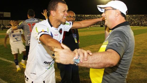 Warley dedica título Paraibano de 2013 ao técnico do Botafogo-PB, Marcelo Vilar (Foto: Magnus Menezes / Jornal da Paraíba)