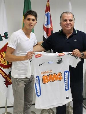 Patricio Rodriguez e Odilio Rodrigues com a camisa do Santos (Foto: Divulgação / Santos FC)