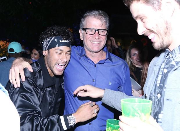 Bruninho, Bernardinho e Neymar Jr (Foto: Anderson Borde/Agnews)
