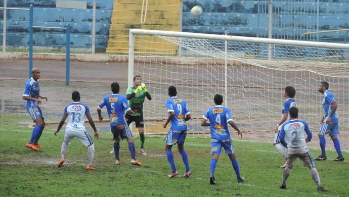 Osvaldo Cruz x Fernandópolis - Campeonato Paulista da Segunda Divisão (Foto: João Paulo Tilio / GloboEsporte.com)