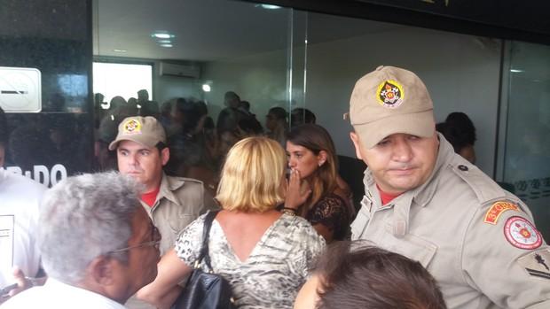 Defesa Civil chega em velório de Raquel Santos (Foto: EGO)