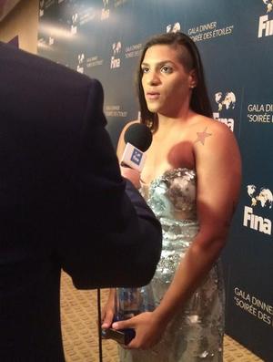 Ana Marcela Cunha prêmio melhor do ano da Fina (Foto: Reprodução/Twitter Coach Alex Pussieldi)