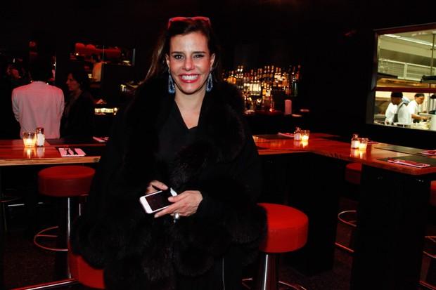 Narcisa Tamborindeguy em restaurante em São Paulo (Foto: Marcos Ribas/ Foto Rio News)