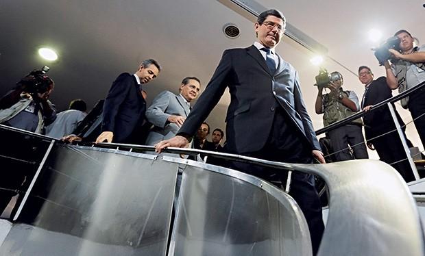 INIMIGO INTERNO O ministro da Fazenda, Joaquim Levy, visita o Congresso.  O PT resiste ao ajuste fiscal (Foto: Reuters)