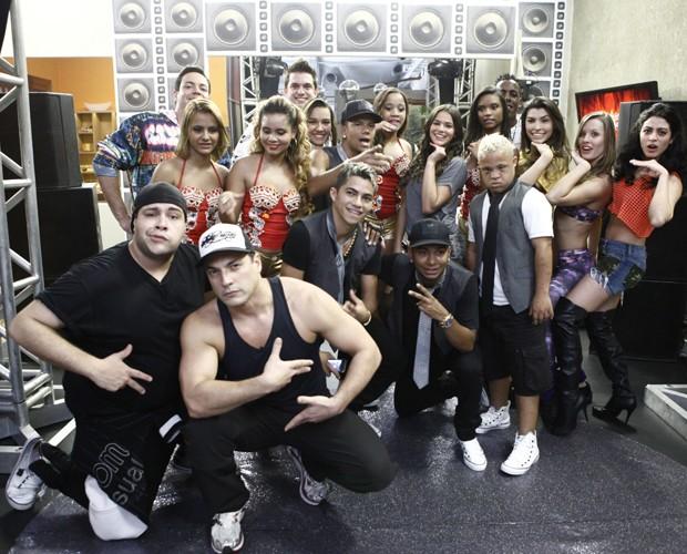 Galera mostrou muita empolgação no baile funk (Foto: Domingão do Faustão / TV Globo)