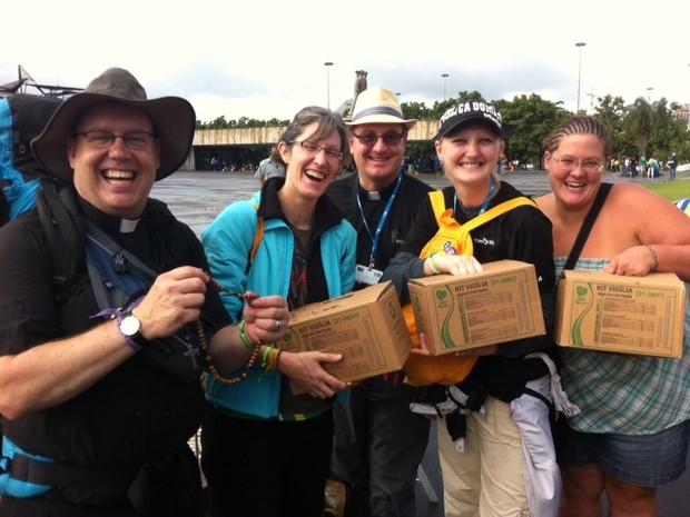 Peregrinos que vieram de Nebraska (EUA) gostaram da receptividade dos brasileiros (Foto: Eduardo Cavalho/G1)
