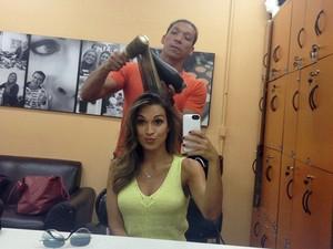 Talitha Morete cuida do cabelo no camarim do Mais Você (Foto: Arquivo Pessoal)