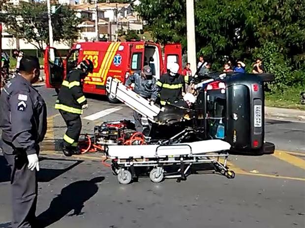 Bombeiros em atendimento após acidente grave em Campinas (Foto: Júlio César Velardi/Arquivo Pessoal)