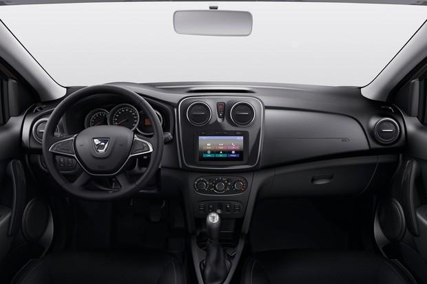 Interior do Sandero e do Logan aposta em volante mutlifuncional, câmera de ré e mais requintes (Foto: Divulgação)