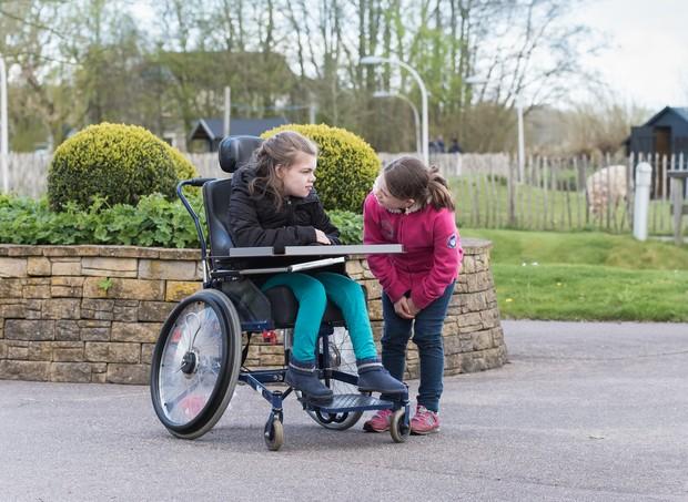 Atender a necessidade do outro requer atenção e cuidado (Foto: Thinkstock)