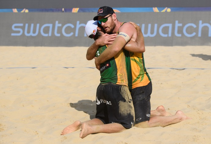 Alison e Bruno Schmidt campeões vôlei de praia Major de Porec (Foto: Divulgação/FIVB)