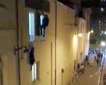 Vídeo: correria e fuga por janela de casa de show (Reprodução)