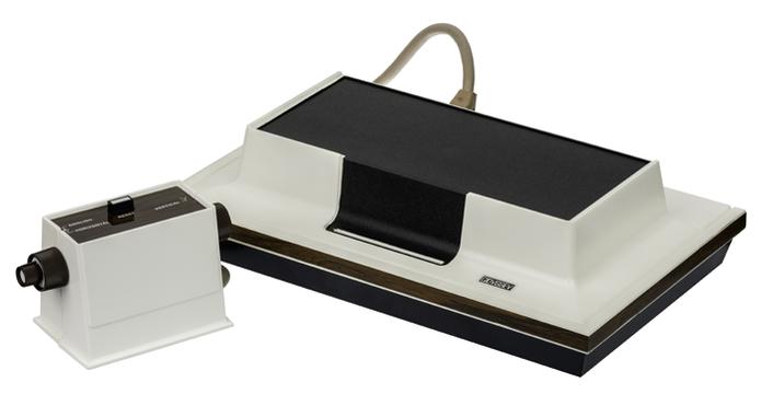 Magnavox Odyssey marcou a primeira geração de consoles (Foto: Reprodução/Wikipedia) (Foto: Magnavox Odyssey marcou a primeira geração de consoles (Foto: Reprodução/Wikipedia))