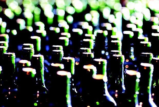 Hortência e suas filhas comandam a produção de cerca de 30 mil litros anuais de vinhos e espumantes finos (Foto: Manoel Marques)