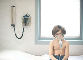 garoto com asma (Foto: Getty Images)